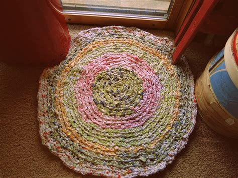crochet a rag rug tea and milk chocolate my crocheted rag rug