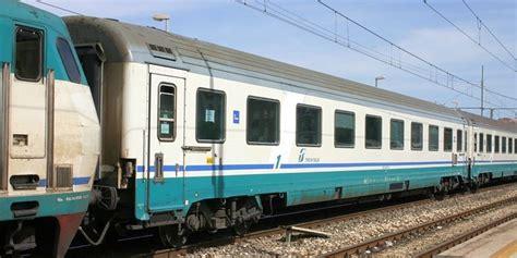 carrozze intercity intercity trenitalia li sopprimer 224 da giugno il codacons