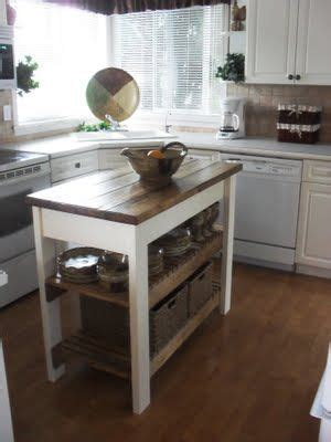 moving kitchen island best 25 rolling kitchen island ideas on