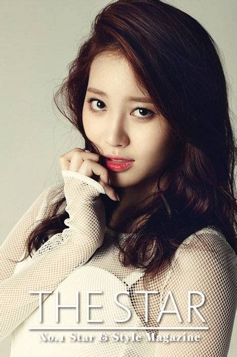 girl s girl s day s yura is sexy in white for the star magazine