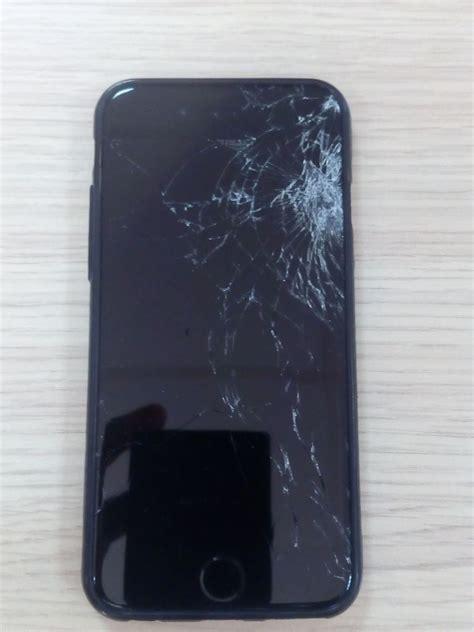 iphone  gb  sale broken screen