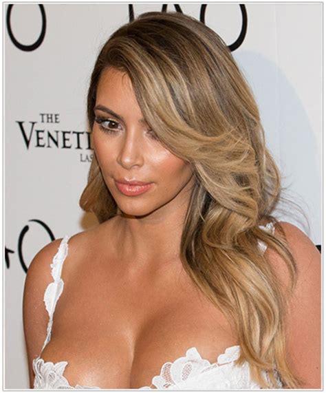 medium hairstyles that can be worn behind the ear behind ear medium length haircut long hairstyles