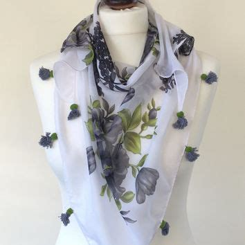 Bloomy Scarf crochet flower necklace burgundy oya from reddapple design