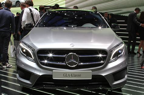 mercedes benz 2015 2015 mercedes benz gla class first look motor trend