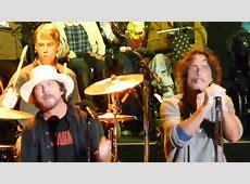 Chris Cornell & Eddie Vedder - HUNGER STRIKE - Live Temple ... Hunger Strike