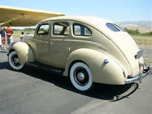 1939 ford deluxe fordor sedan by roadtripdog on deviantart