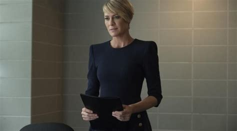 question about robin wright house of card watchers may quot house of cards quot la le 231 on de style de claire underwood