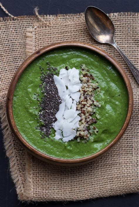 Green Detox Smoothie Bowl by Green Smoothie Bowl Eats
