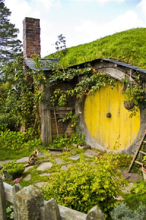 hobbit houses new zealand hobbit houses caelum et terra