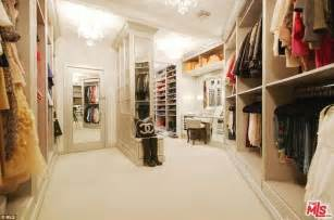 His Closet by Zoe Saldana Buys Tennis Court Estate In Beverly