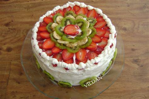 muzlu alman pastas tarifi meyveli kolay mayal ya pasta meyveli yaş pasta kreması