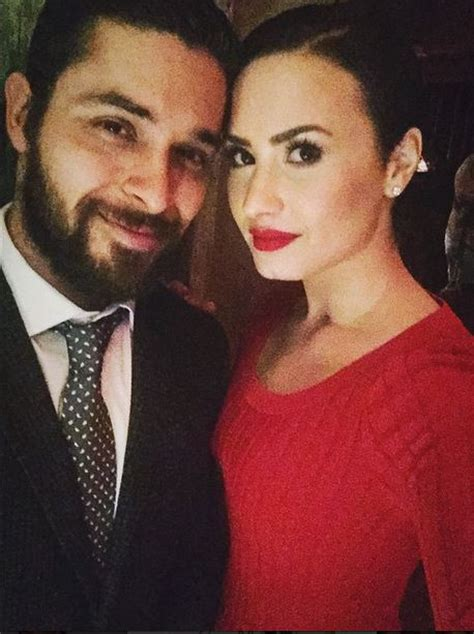 demi lovato et wilmer valderrama wilmer valderrama and girlfriend demi lovato surprise at