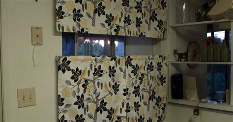 Cat Kitchen Curtains The Barefoot Copy Cat Kitchen Cafe Curtains