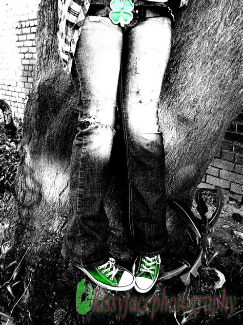 emo barefoot emo feet by kissyfacephotography on deviantart