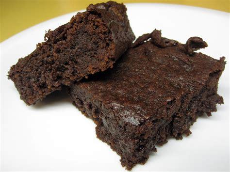 Brownies Fudgie Chocolate fudgy chocolate brownies recipe dishmaps