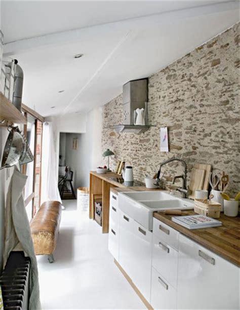 am駭agement cuisine en longueur un mur en brique c est styl 233 en d 233 co de cuisine