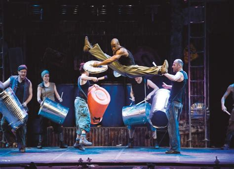 stomp feiert premiere  koelner musical dome musical
