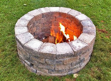 Building A Simple Diy Fire Pit For Your Garden Bridgman How To Build A Backyard Pit