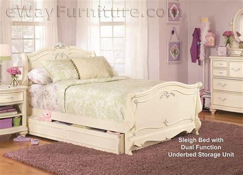 White Vintage Bedroom Furniture Sets Vintage White Sleigh Bed Children S Bedroom Set