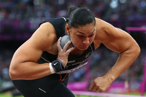 putter shot valerie adams new zealand adams reign as shot put queen continues iaaf org