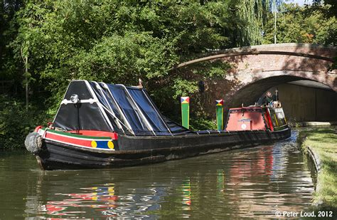 old union boat r traditional narrow boats on grand union canal at milton
