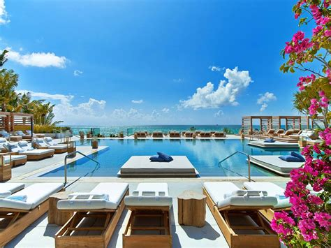 Gardens Detox In Miami by Cool This Summer In These Amazing Hotel Pools