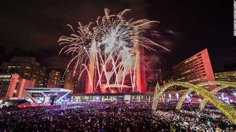 new year s eve dubai sets record in fireworks blitz cnn