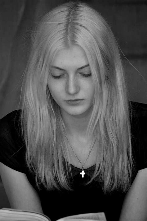 Image libre: tristesse, visage, monochrome, femme, mode