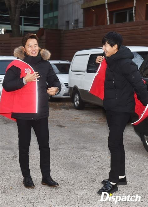 lee seung gi charity 429 lee seunggi and lee seo jin volunteer at sales event