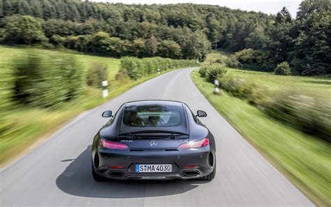mercedes amg gt  coupe review  capable   gt     supercar evo