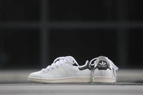 Gratis Ongkir Nike Smith Brown by Adidas Stan Smith Black White Leather S75076