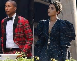 pharrell williams wife ethiopian 就是不想穿白婚紗咧 明星們五顏六色的婚紗大賞 婚紗 艾薇兒 賈斯汀 潔西卡貝兒 凱莉庫柯 名人娛樂 妞新