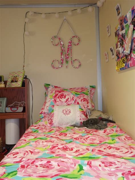 lilly pulitzer bedding dorm pin by wilma routt on morgan s dorm for college