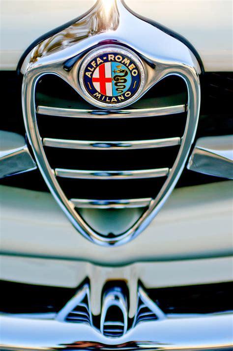 alfa romeo emblem 1962 alfa romeo giulietta coupe sprint speciale grille