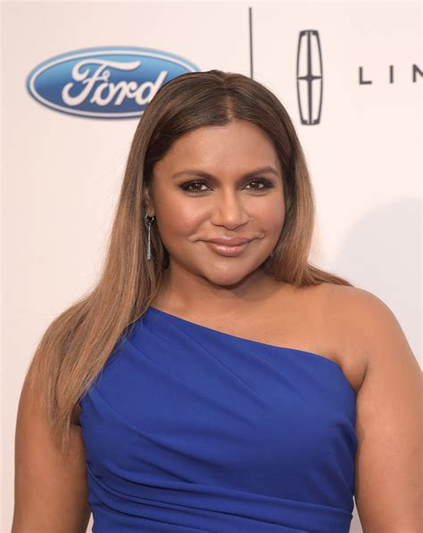 did mindy lahere cut her hair mindy cuts hair mindy kaling long straight cut newest