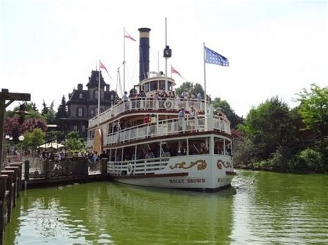 disneyland paris boat ride disneyland paris thunder mesa riverboat ride in 720p hd