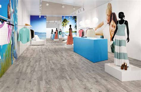 pavimento scala 55 connect di armstrong an shopfitting