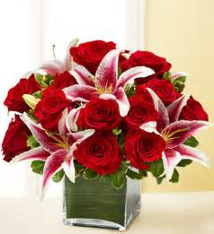 roses and lilies giveaway win the 1 dozen roses elegance premium arrangement from 1800flowers mocha