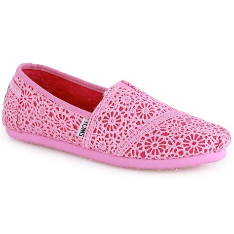 toms crochet classics trainers in pink