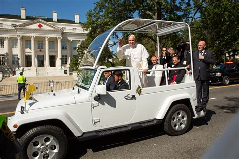 pope mobile jeep popemobile pope francis fleet of wranglers are cool
