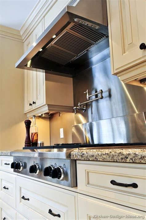 range hood sarl in the french 1000 images about ranges hoods on stove kitchens and stove hoods