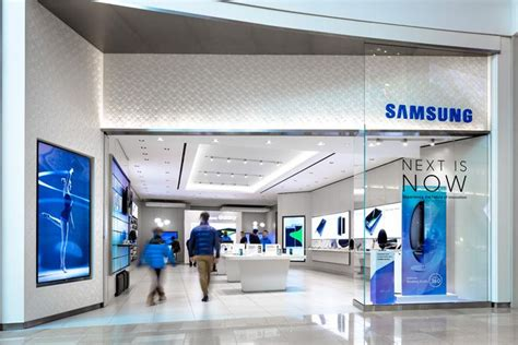E Samsung Store by Samsung Store At Sherway Gardens By Cutler Toronto Canada Wp Board Samsung Store Retail