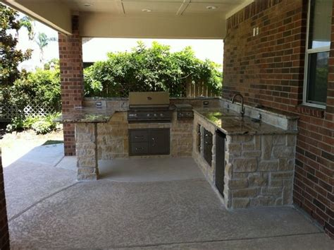 custom outdoor kitchen ideas in modern styles outdoor kitchen design viking outdoor kitchen outdoor kitchens and fireplaces contemporary patio