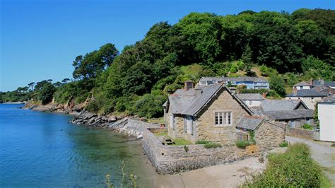 waterside cottages around the helford river national trust