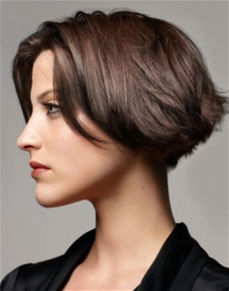 very short stepped bob pinterest discover and save creative ideas