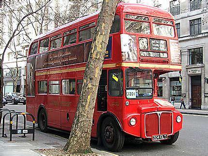 le bus rouge transport centre touristique londres