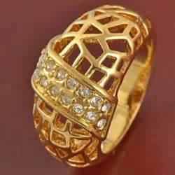 Cincin Silver Lapis Platinum Berlian Imitasi Batu Kuning Bulat koleksi cincin pria dengan model terupdate