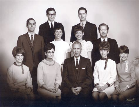 middle the family years 1969 1999 books file 1969 butler family jpg wikimedia commons