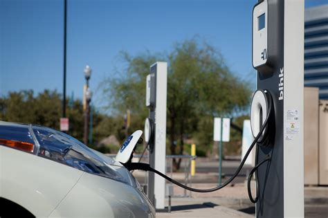 electric cars charging ca will lead u s electric car sales until 2020 report