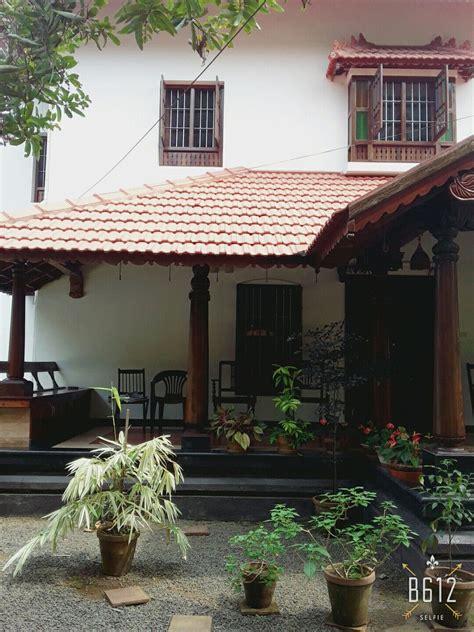 traditional home walanchery kerala home   kerala house